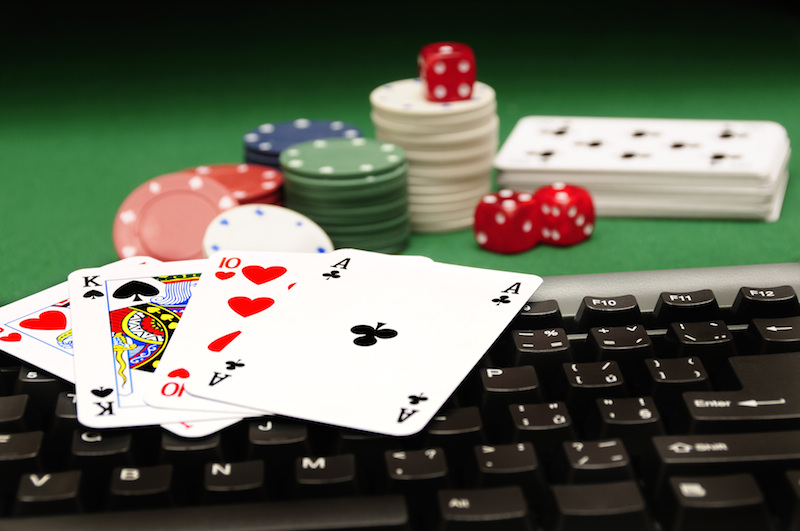 Advantages of Playing the online casino
