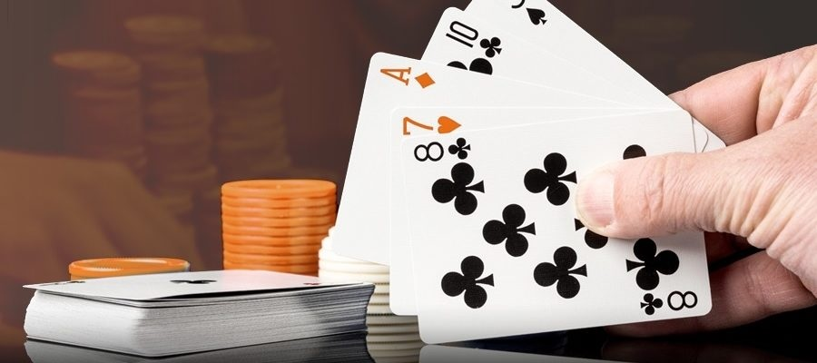Various benefits of Playing Online Poker