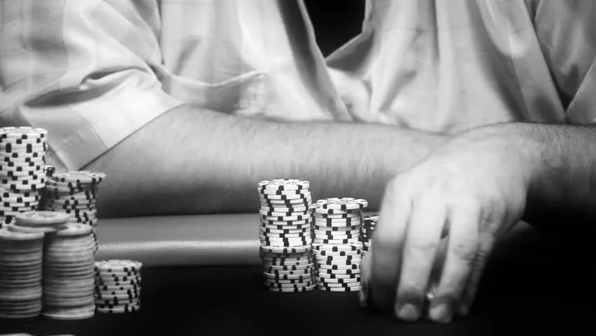 Mater tips to start playing Online Poker